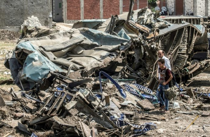 Egypte: 41 morts dans un accident de trains